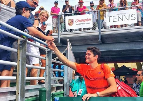 Raonic pushes past Coric in Delray Beach