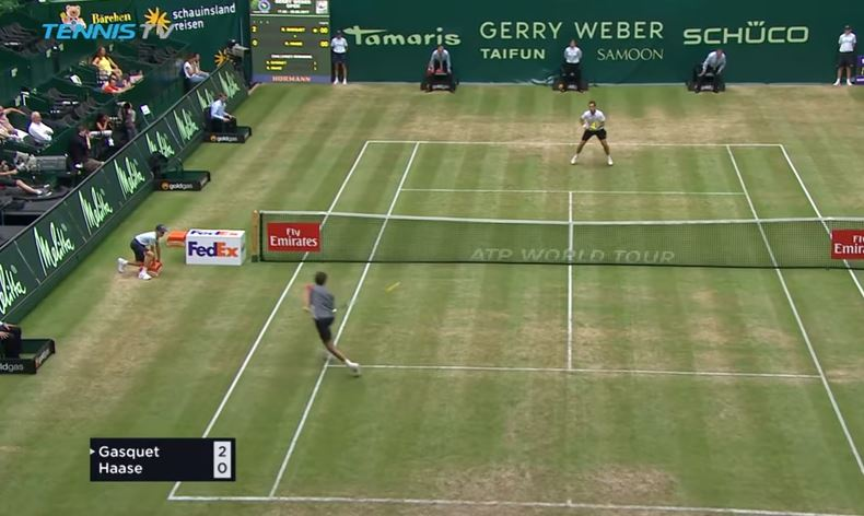 Watch: Robin Haase Needs to Patent this Shot