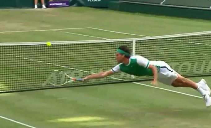 Watch: Thiem's Head-First Dive Volley