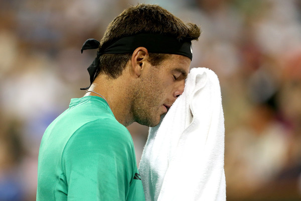 Delpo Proves Hugs are Better than Smashes
