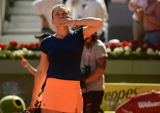 Halep Subdues Vinci In Third-Set Tie Break