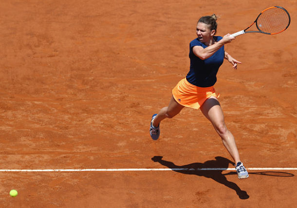 Halep Defeats Kontaveit to Keep Streak Rolling