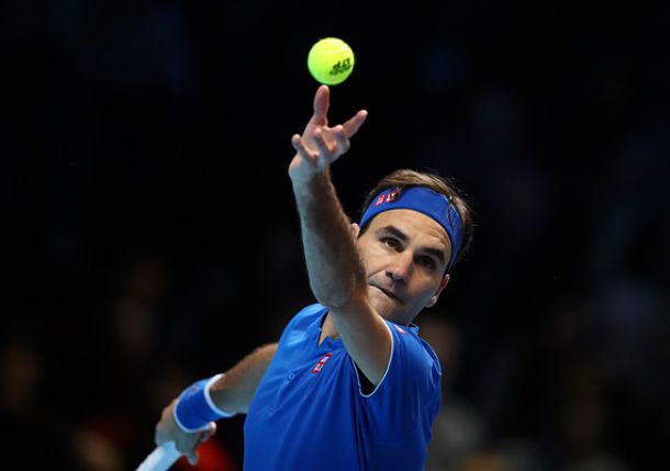 Federer Lives After Thiem Takedown in London