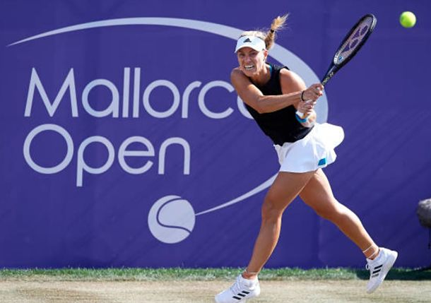 Kerber Dispatches Sharapova in Mallorca