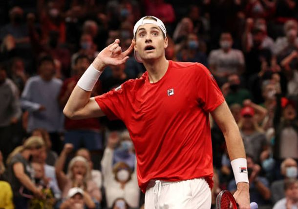 Isner Takes Over: American Provides Hopeful Ending to Day 1 of Laver Cup for Team World